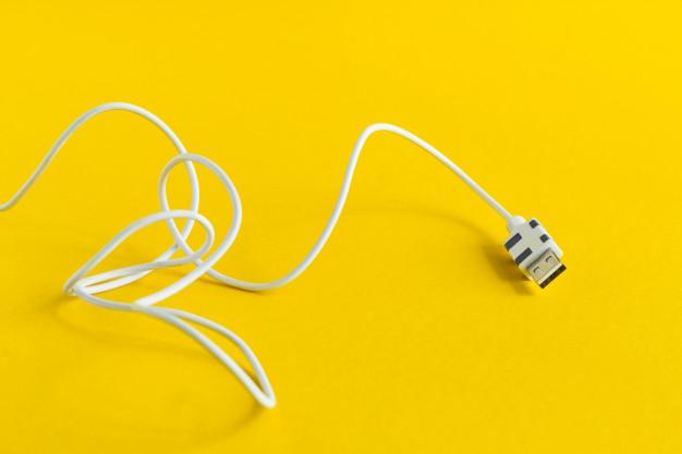 usb kabel i hvid