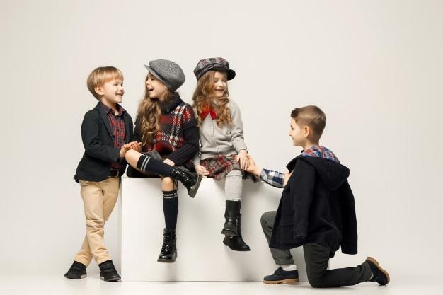 børn med støvler på
